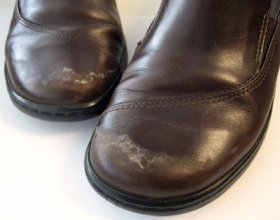 How To Remove Salt Stains From Your Shoes