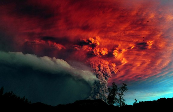 year-in-volcanic-activity-1-576x375