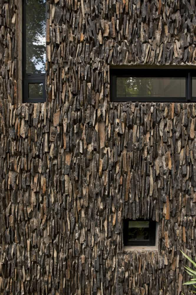 Rock Wall Design : Stone-wall-design-forest-house-in-Santa-Rosalia