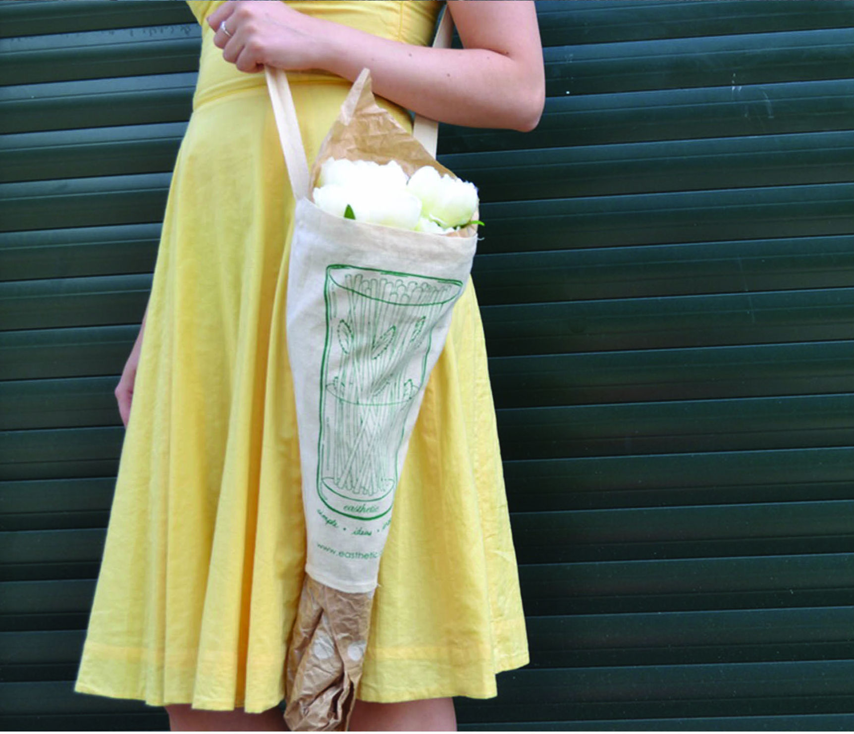 The Pozzy an eco friendly flower carrier